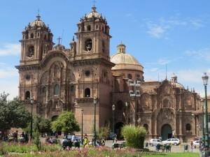 Kolonialbauten am Plaza de Armas